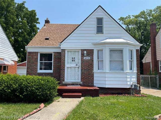 16734 Ferguson St, Detroit, MI 48235 (MLS #2210052517) :: Kelder Real Estate Group