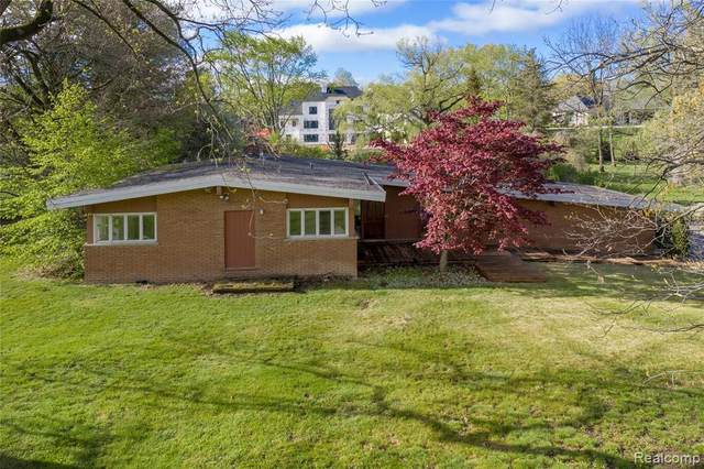 4541 Ottawa Ln, Bloomfield Hills, MI 48301 (MLS #2210046085) :: Kelder Real Estate Group