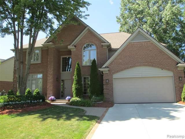 7216 Silverbeech Ln, West Bloomfield, MI 48323 (MLS #2210052645) :: Kelder Real Estate Group