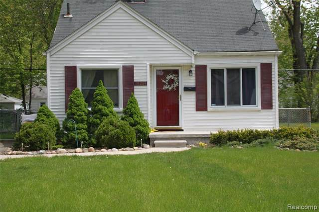 24264 Cloverlawn St, Oak Park, MI 48237 (MLS #2210052806) :: Kelder Real Estate Group