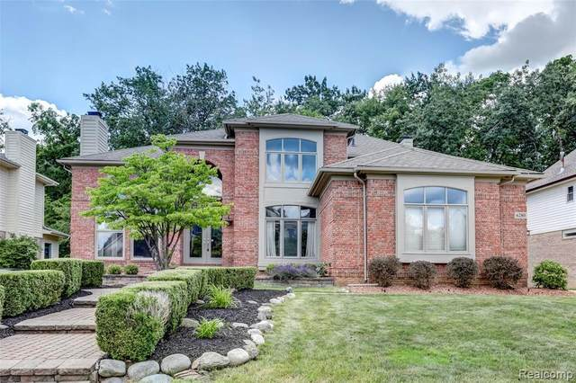 6280 Branford Dr, West Bloomfield, MI 48322 (MLS #2210052401) :: Kelder Real Estate Group
