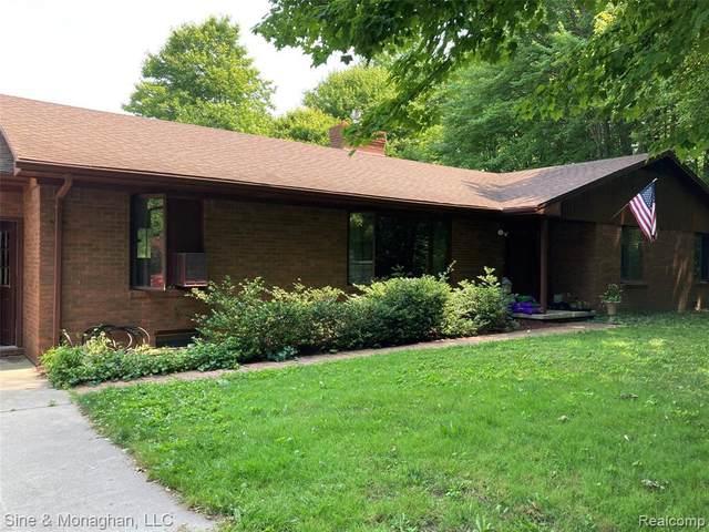 1045 Delaware Ave, Marysville, MI 48040 (MLS #2210052767) :: Kelder Real Estate Group