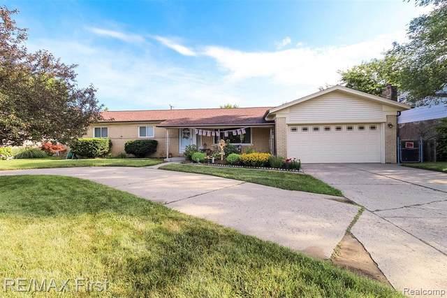 8761 Metropolitan Pkwy, Sterling Heights, MI 48312 (MLS #2210052957) :: Kelder Real Estate Group