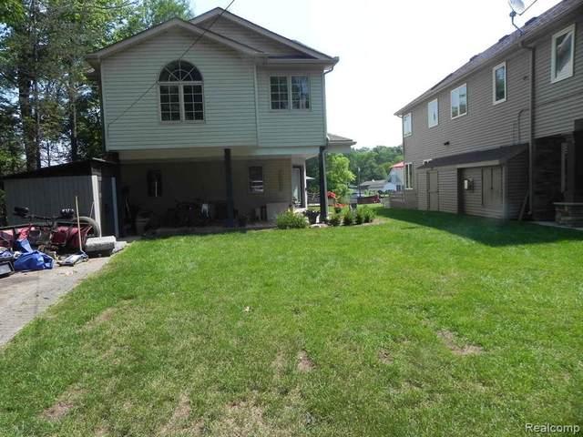 4280 Leroy Crt, White Lake, MI 48383 (MLS #2210052982) :: Kelder Real Estate Group