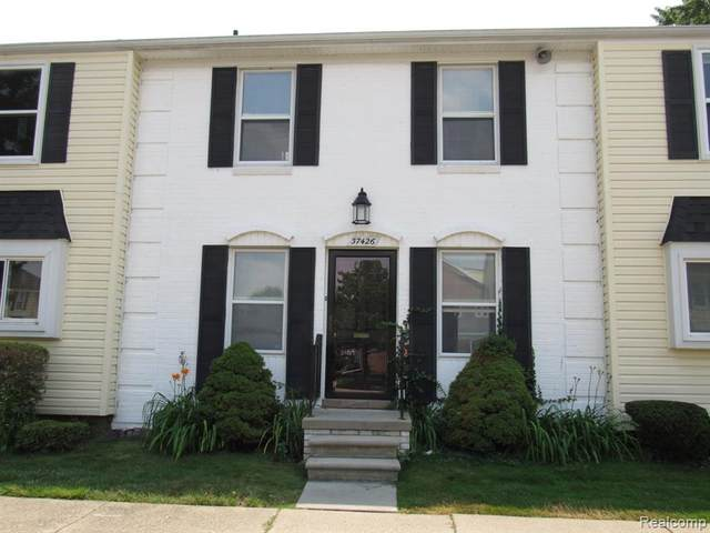 37426 Charter Oaks Blvd, Clinton Township, MI 48036 (MLS #2210053404) :: The BRAND Real Estate