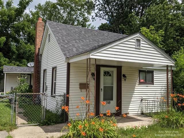 749 Mildred St, Ypsilanti, MI 48198 (MLS #3282365) :: The BRAND Real Estate