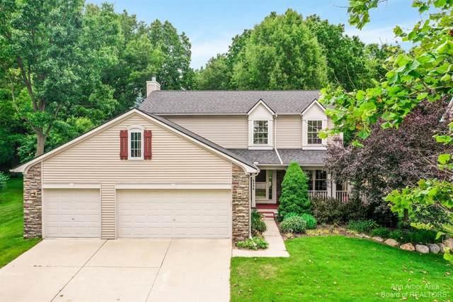 8384 Parkridge Dr, Dexter, MI 48130 (MLS #3282241) :: Kelder Real Estate Group