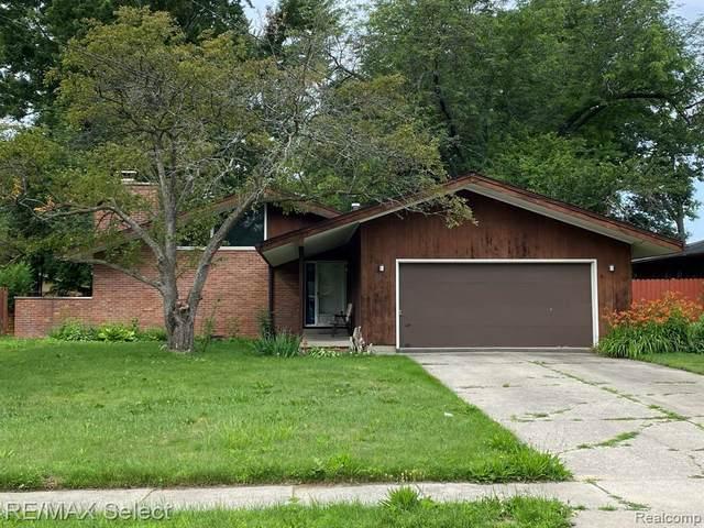 3474 Creekwood Dr, Saginaw, MI 48601 (MLS #2210053270) :: Kelder Real Estate Group