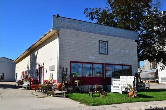 3370 Main St, Marlette, MI 48453 (MLS #2210053954) :: Kelder Real Estate Group