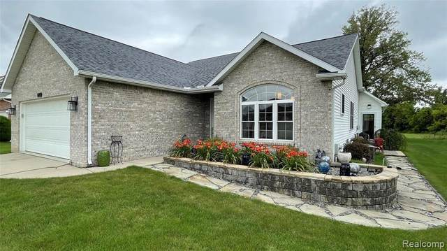 5188 Walkabout Ln, Swartz Creek, MI 48473 (MLS #2210053983) :: Kelder Real Estate Group
