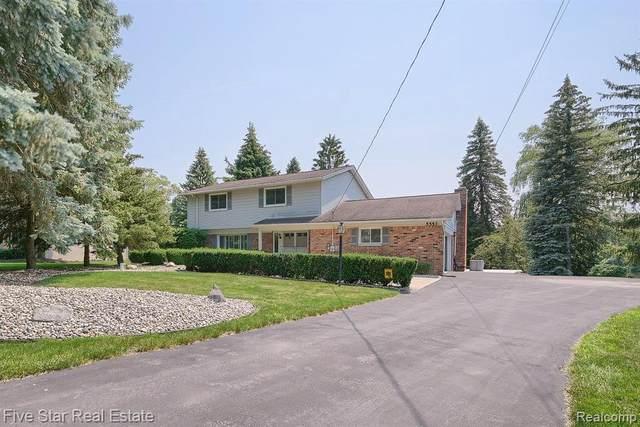 5553 Leafwood Crt, Update, MI 48382 (MLS #2210053858) :: Kelder Real Estate Group