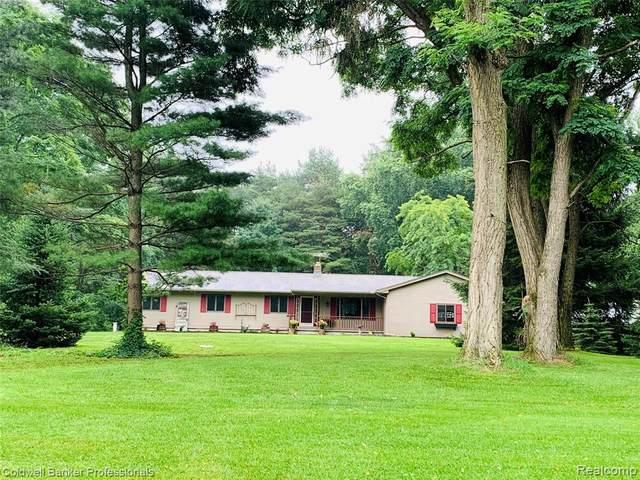 3517 Pine Creek Rd, Metamora, MI 48455 (MLS #2210054577) :: Kelder Real Estate Group