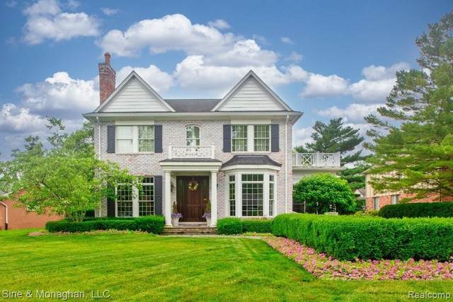 15 Hampton Rd, Grosse Pointe Shores, MI 48236 (MLS #2210054810) :: Kelder Real Estate Group