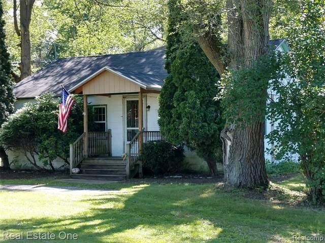 4464 Kirk Rd, Vassar, MI 48768 (MLS #2210054743) :: Kelder Real Estate Group