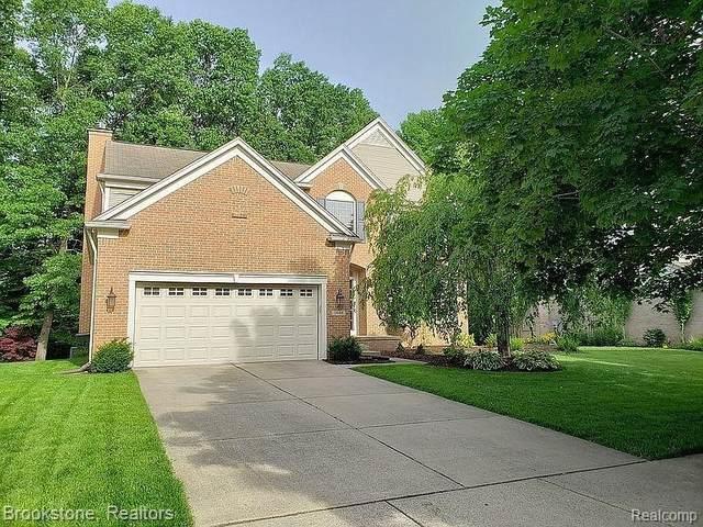 2640 Aubrey Dr, Lake Orion, MI 48360 (MLS #2210055298) :: Kelder Real Estate Group