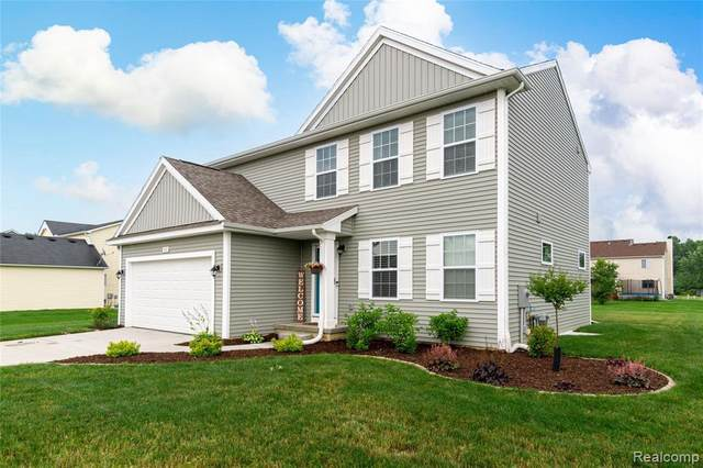 1452 Platte Dr, Grand Blanc, MI 48439 (MLS #2210055381) :: Kelder Real Estate Group