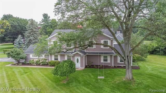 6914 Halyard Rd, Bloomfield Hills, MI 48301 (MLS #2210055443) :: Kelder Real Estate Group