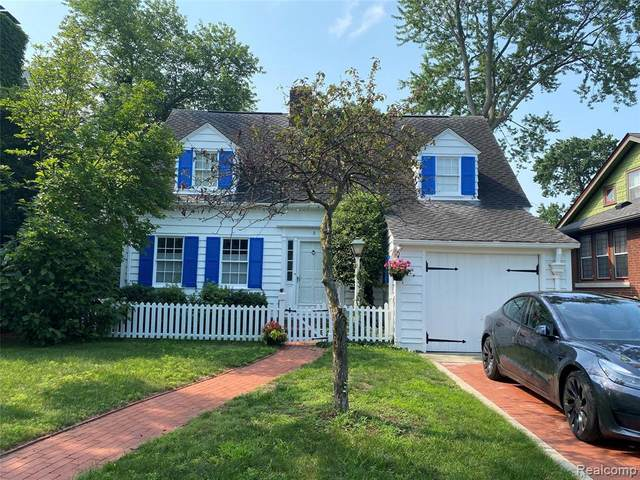 5 Hanover Rd, Pleasant Ridge, MI 48069 (MLS #2210055424) :: Kelder Real Estate Group