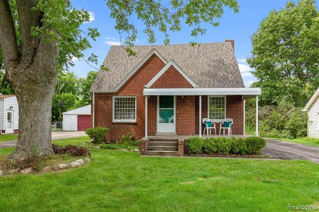 3147 Waukegan St, Auburn Hills, MI 48326 (MLS #2210055884) :: Kelder Real Estate Group
