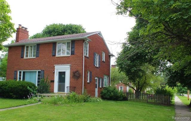 1621 E Court St, Flint, MI 48503 (MLS #2210056078) :: Kelder Real Estate Group