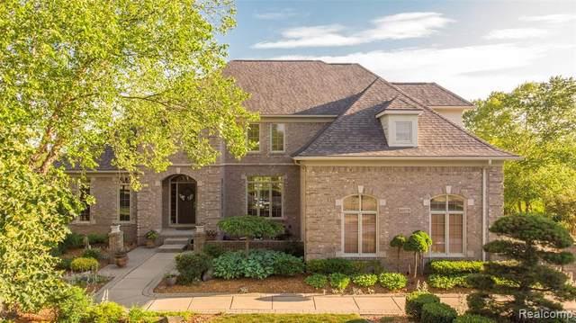 49179 Andover Crt, Canton, MI 48187 (MLS #2210056380) :: Kelder Real Estate Group