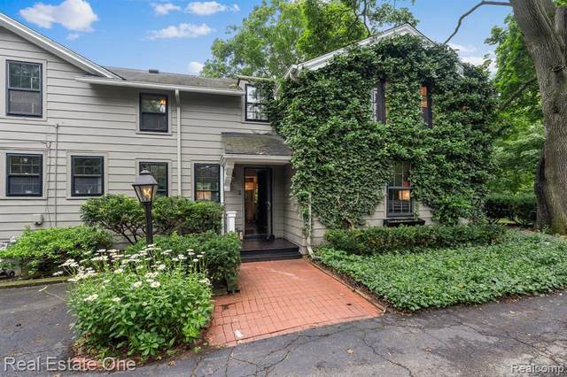 146 Puritan Ave, Birmingham, MI 48009 (MLS #2210055608) :: Kelder Real Estate Group