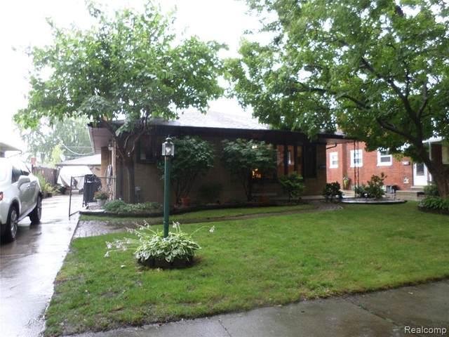 24412 Princeton St, Saint Clair Shores, MI 48080 (MLS #2210057132) :: Kelder Real Estate Group