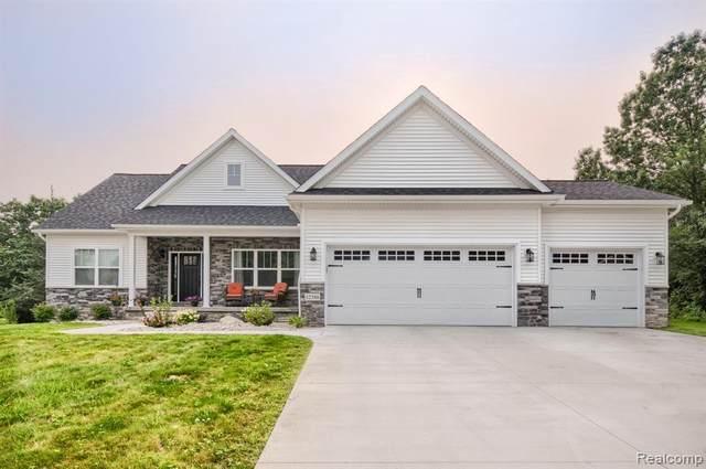 12386 Sugar Maple Dr, Fenton, MI 48430 (MLS #2210057743) :: Kelder Real Estate Group