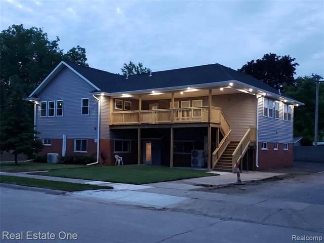 316 Mary Ave, Royal Oak, MI 48073 (MLS #2210057790) :: Kelder Real Estate Group