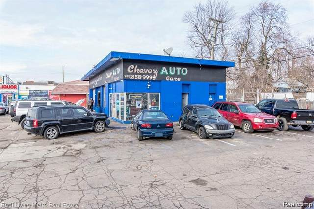 658 E Chavez Ave, Pontiac, MI 48340 (MLS #2210058494) :: The BRAND Real Estate