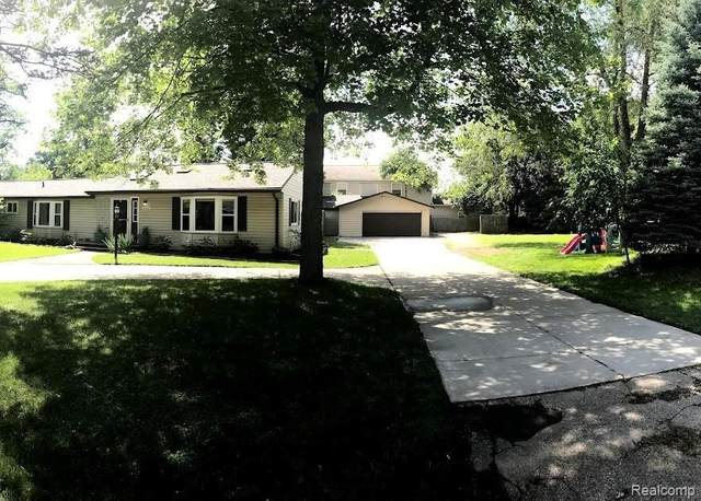 3166 Massena St, Update, MI 48382 (MLS #2210058851) :: Kelder Real Estate Group