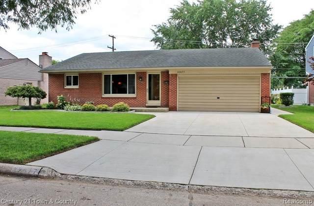 32677 Scone St, Livonia, MI 48154 (MLS #2210058258) :: Kelder Real Estate Group