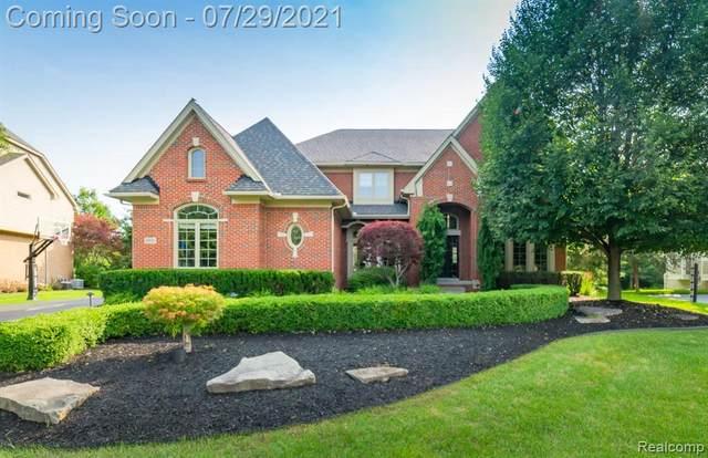 4820 Eagle Springs Crt, Clarkston, MI 48348 (MLS #2210059069) :: Kelder Real Estate Group