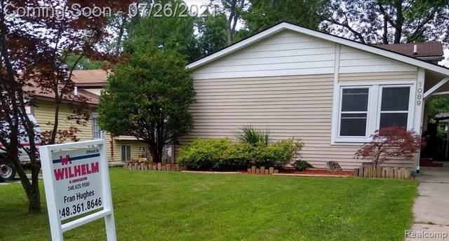 1089 Hendricks Way, Waterford, MI 48328 (MLS #2210059184) :: Kelder Real Estate Group