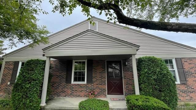 15823 Charleston Dr, Clinton Township, MI 48038 (MLS #2210059058) :: Kelder Real Estate Group