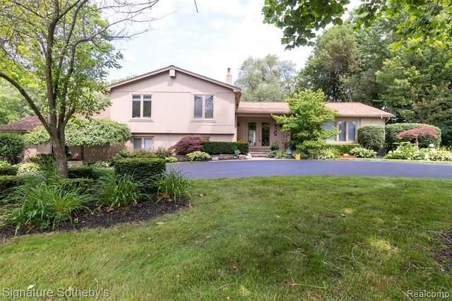 3170 Parkland Dr, West Bloomfield, MI 48322 (MLS #2210059382) :: Kelder Real Estate Group