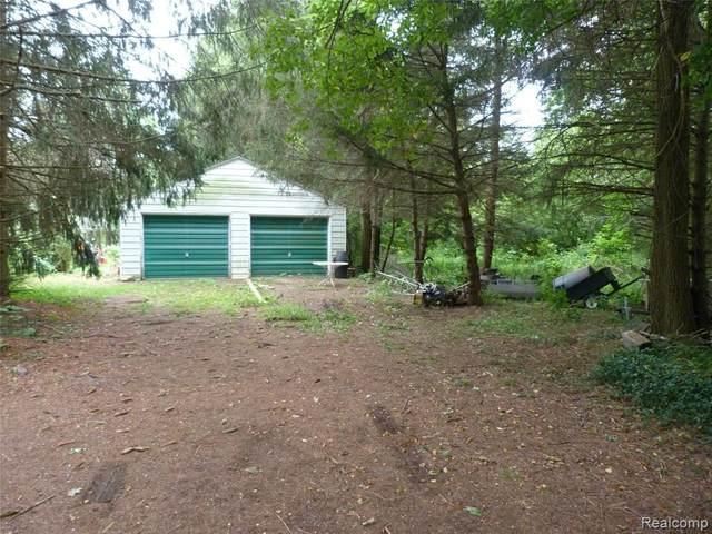 5372 Morrish Rd, Swartz Creek, MI 48473 (MLS #2210059331) :: The BRAND Real Estate