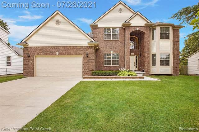 66 Chopin St, Troy, MI 48083 (MLS #2210059096) :: The BRAND Real Estate