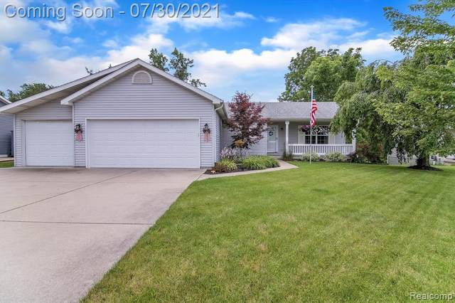 2495 W Thompson Rd, Fenton, MI 48430 (MLS #2210059489) :: Kelder Real Estate Group