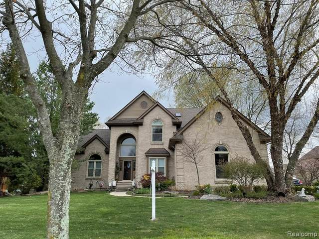 37159 Seabrook Dr, Livonia, MI 48152 (MLS #2210059881) :: Kelder Real Estate Group