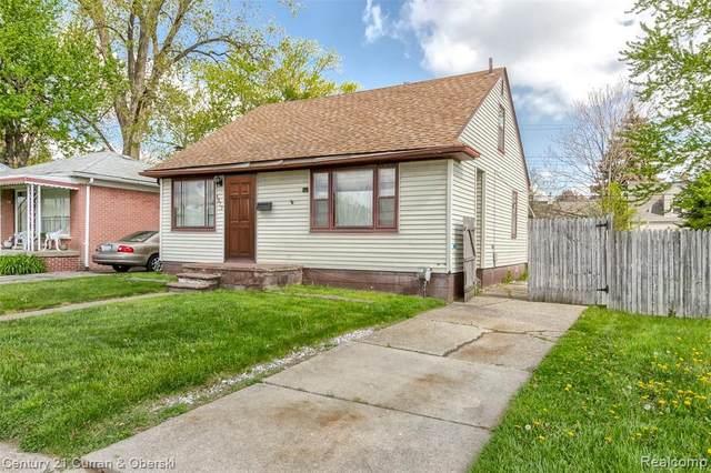 1817 E 10 MILE RD, Royal Oak, MI 48067 (MLS #2210059924) :: Kelder Real Estate Group