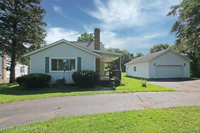 4321 Howe Rd, Grand Blanc, MI 48439 (MLS #2210059804) :: Kelder Real Estate Group