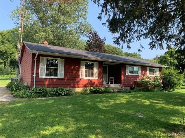 14215 Barnes Rd, Byron, MI 48418 (MLS #2210060332) :: Kelder Real Estate Group