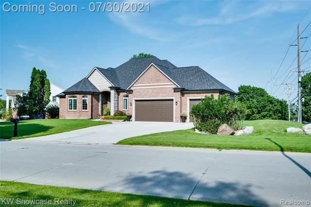1018 Grandview Dr, Rochester Hills, MI 48306 (MLS #2210060340) :: Kelder Real Estate Group