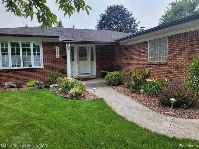 39337 Lyndon St, Livonia, MI 48154 (MLS #2210060665) :: Kelder Real Estate Group