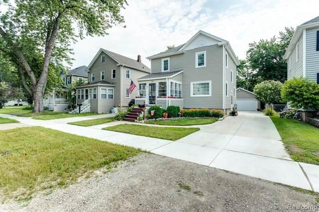 1413 Connecticut Ave, Marysville, MI 48040 (MLS #2210059923) :: Kelder Real Estate Group