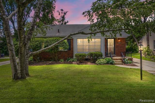 3733 Ravena Ave, Royal Oak, MI 48073 (MLS #2210060849) :: Kelder Real Estate Group