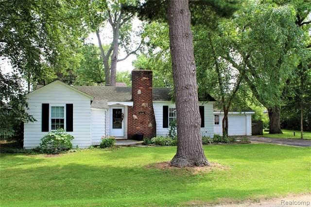 9083 Pittsfield St, Update, MI 48382 (MLS #2210060637) :: Kelder Real Estate Group