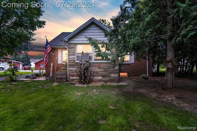 629 E South Holly Rd, Fenton, MI 48430 (MLS #2210060827) :: Kelder Real Estate Group