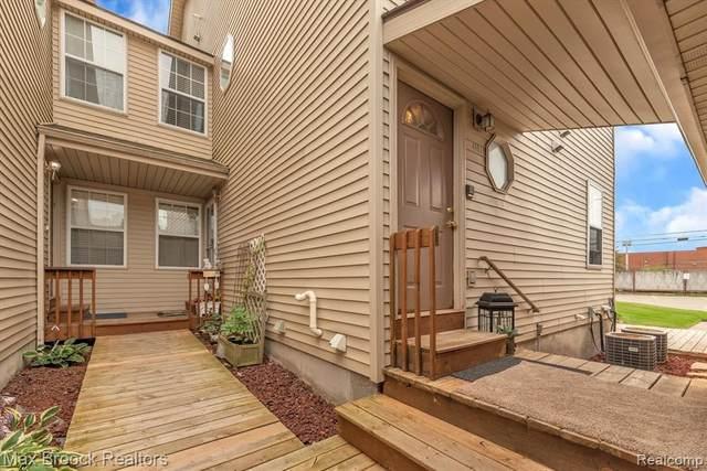 4991 Oak Hill Dr, Waterford, MI 48329 (MLS #2210060366) :: Kelder Real Estate Group